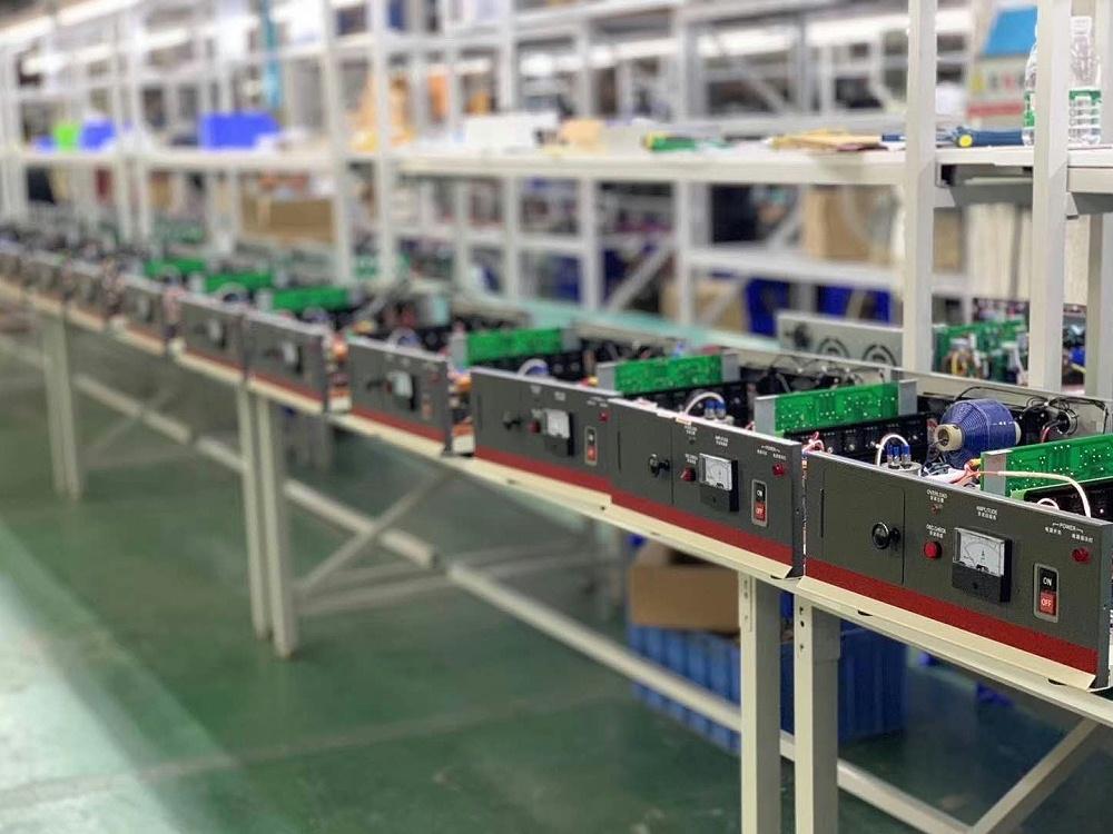 HC-2615 15KHz 2600W 超声波塑料焊接机